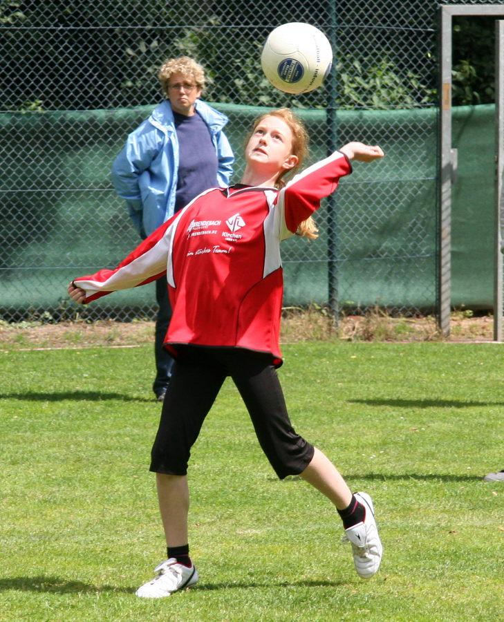 Angriffspielerin Lisa Kudlik machts mit links