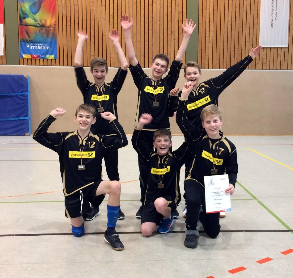 Das Team des VfL Kirchen sichert sich den 3. Platz